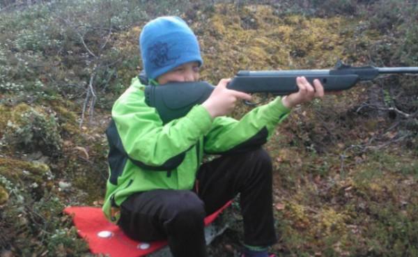Barn og våpen